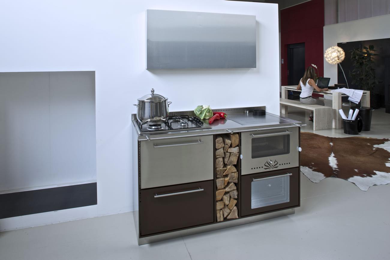 Cucine economiche a legna val di sole trentino - Cucina rustica economica ...
